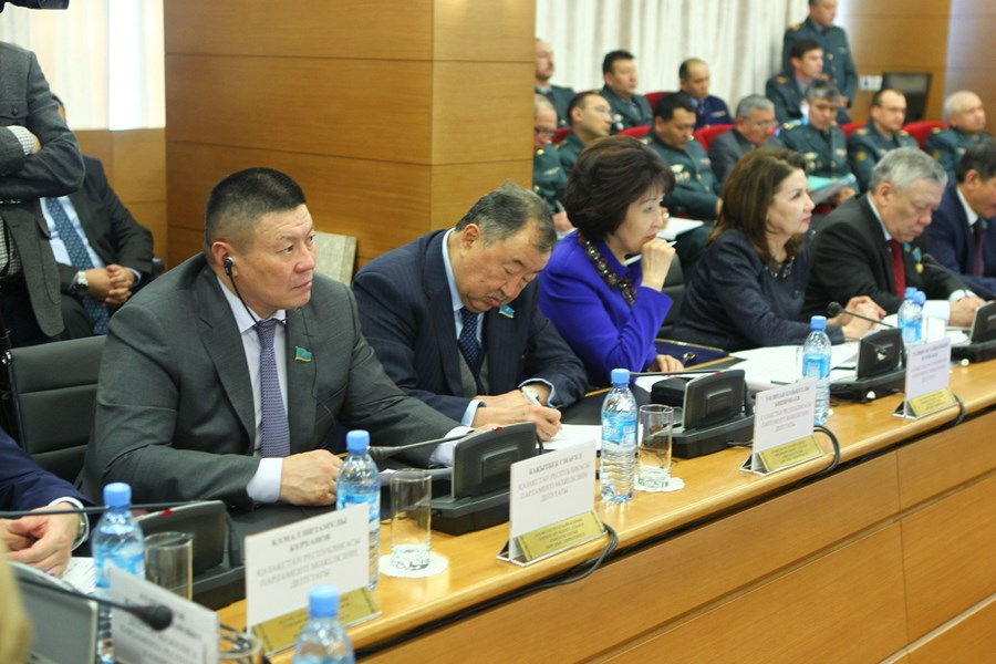 Roundtablein the National University of Defense on February 10, 2015